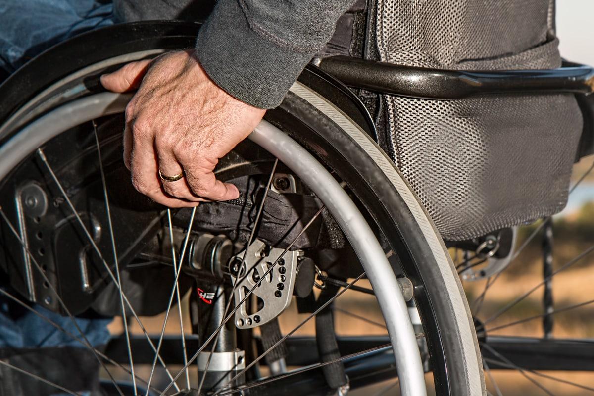 legge 194 assistenza famigliare cassazione milano investigazioni
